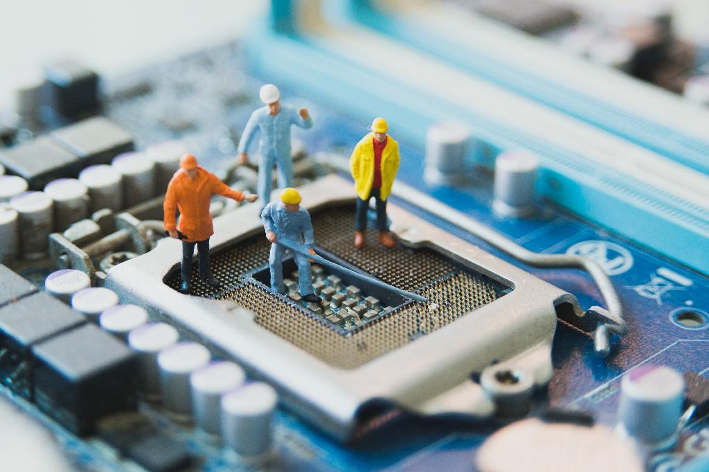 WHAT'S NEW SURROUNDING SERVER TECHNOLOGIES?